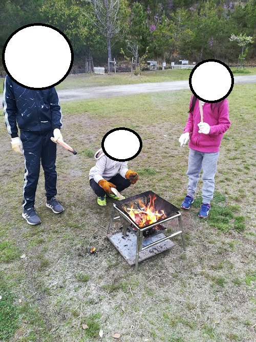 子供たちの焚火